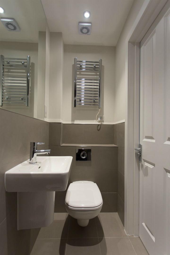 En Suite Bathroom in Holloway studio apartment