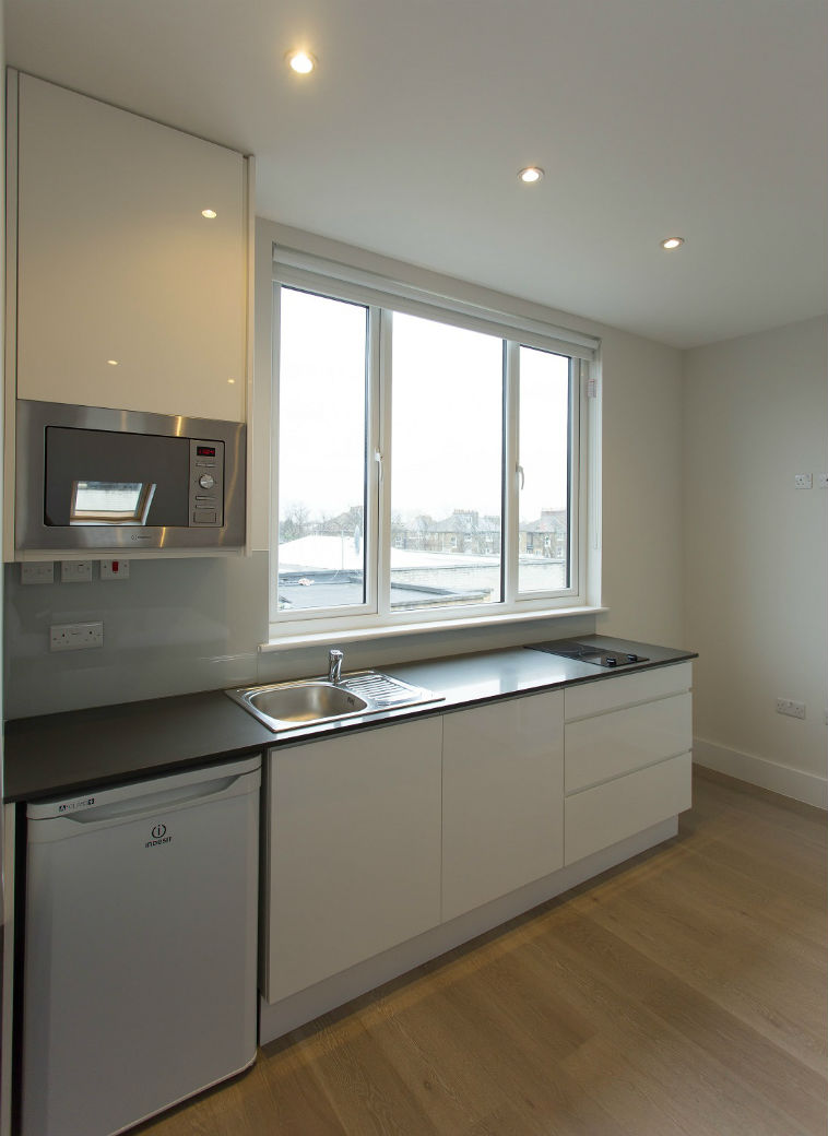 fully-equipped-kitchenette-holloway-london-studio-flat
