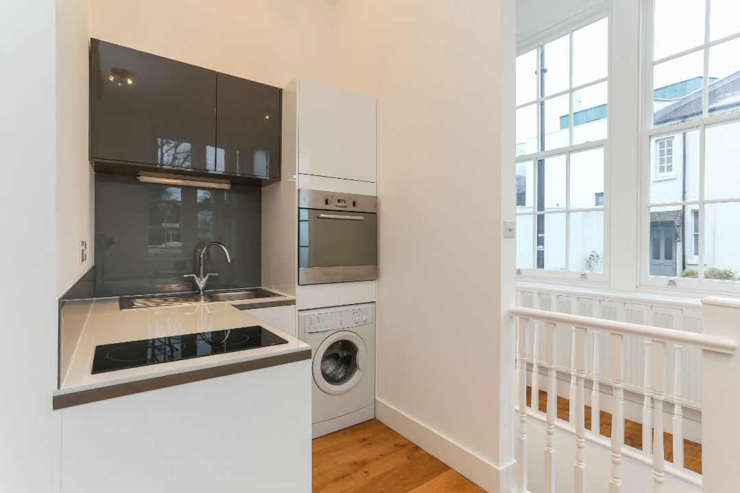 Fully equipped kitchen in 1 bedroom flat in St jhons Wood