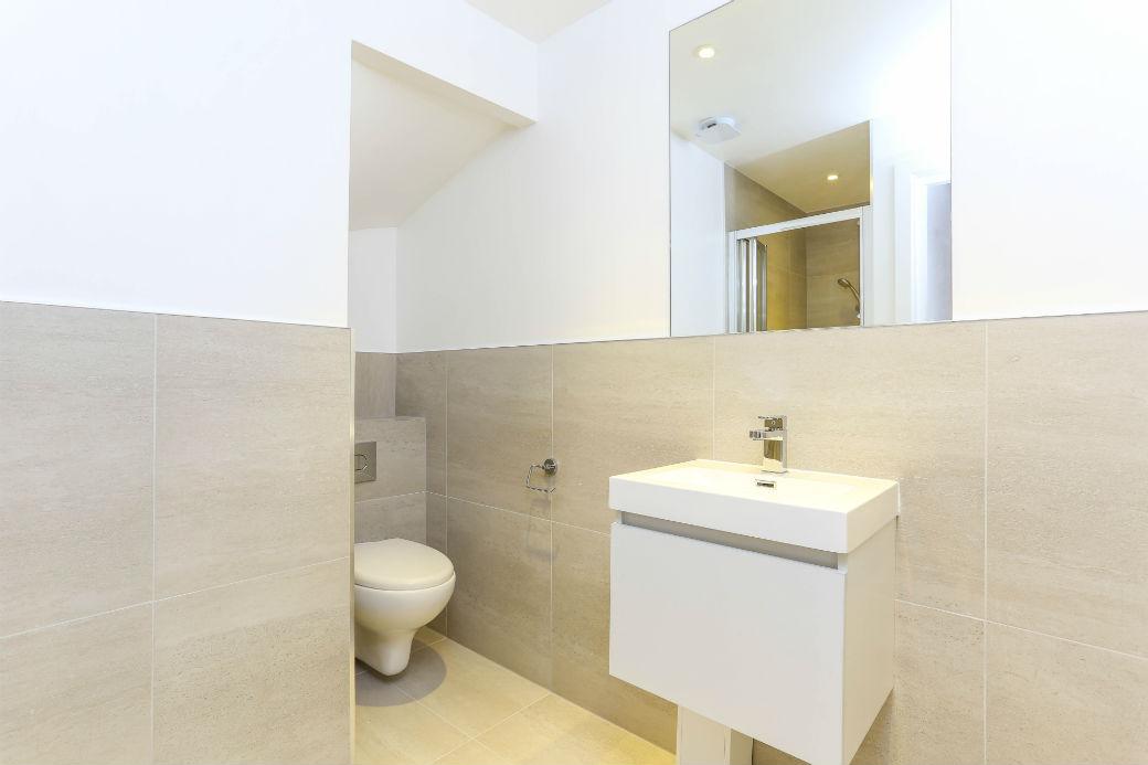 Modern bathroom St Jonhs Wood one bedroom apartment