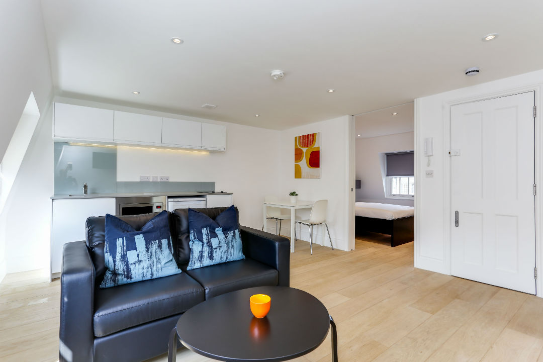 one-bedroom-top-floor-apartment-in-kings-cross