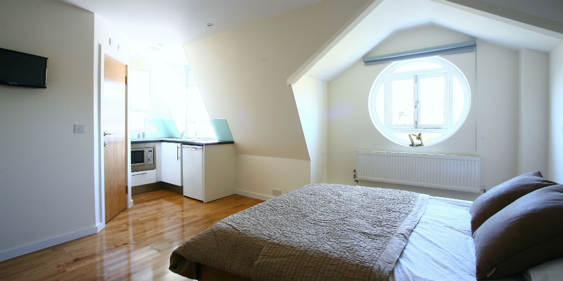Top floor studio apartment in Russell Square London