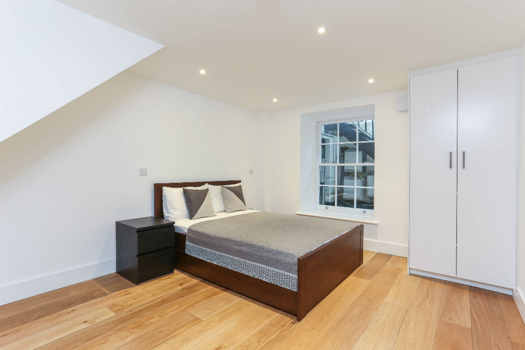 Spacious bedroom and a double wardrobe in St Johns Wood London